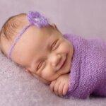 Когда грудничок начинает спать всю ночь